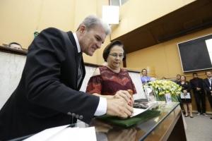 Deputada Ana Lúcia também recebe o selo