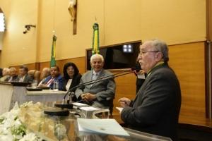 Luciano Bispo durante discurso