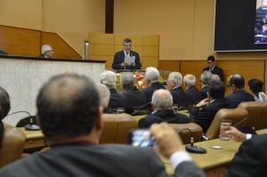 Deputado Luciano Pimentel durante discurso