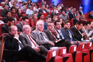 Deputados da Alese assistindo ao Fórum